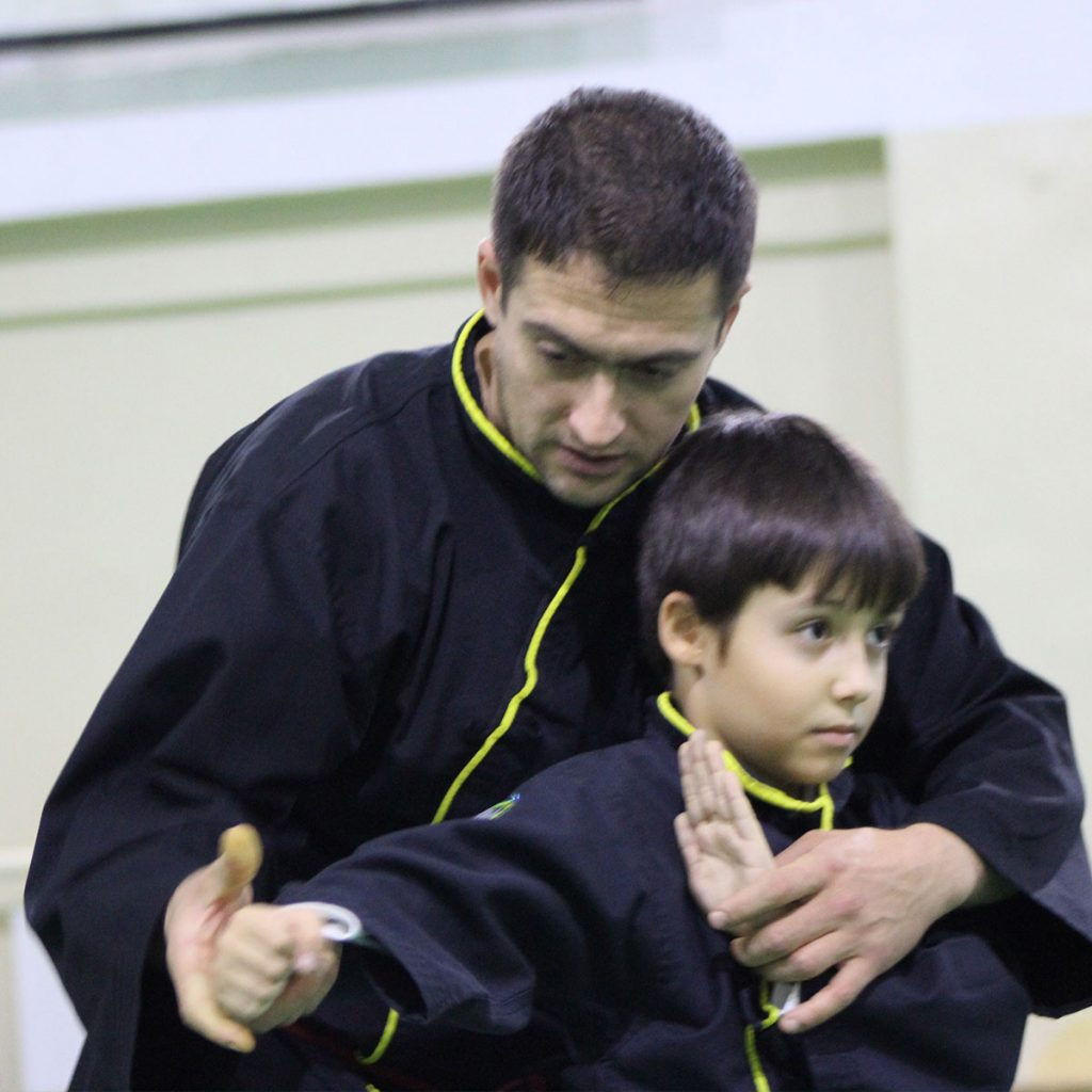 Instructor titular Marius Rusu